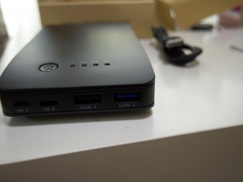 CHOETEC Quick Charge 2.0対応モバイルバッテリーのポート